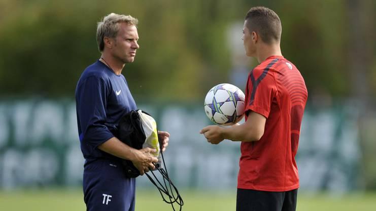 Granit Xhaka (rechts) und sein Förderer Thorsten Fink zu gemeinsamen FCB-Zeiten.