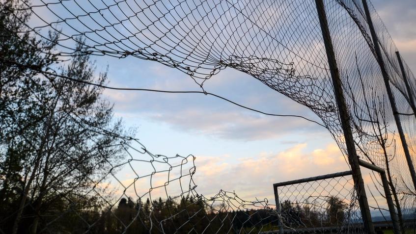 Der ehemalige Ballfang auf dem Fussballplatz des SC Berg erfüllte seinen Zweck kaum mehr