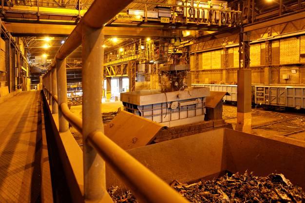 Im Stahlwerk Gerlafingen kam es heute früh zu einem lauten Knall, der Anwohner aufschreckte. (Archiv)