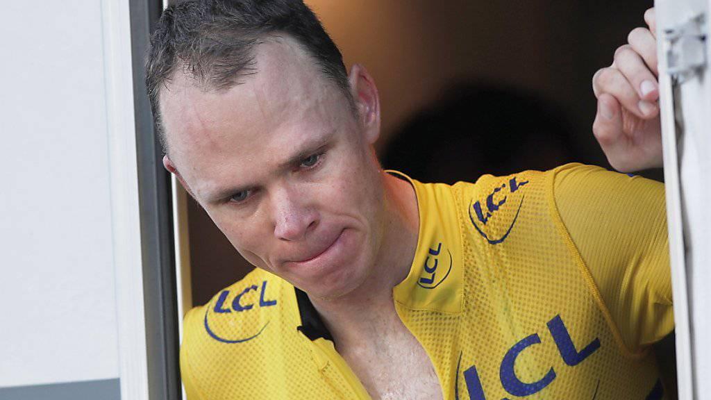 Chris Froome wollte sich bei hohem Tempo die Nase putzen und verunfallte dabei schwer