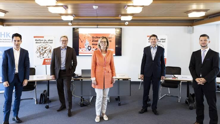 Yannick Berner, Peter Gehler, Silvia Huber, Hans-Peter Zehnder und Beat Bechtold setzen sich für ein Nein zur Konzern- verantwortungs-Initiative ein.