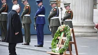 Staatspräsident Michael Higgins bei der Kranzniederlegung zum Gedenken der Aufstandsopfer
