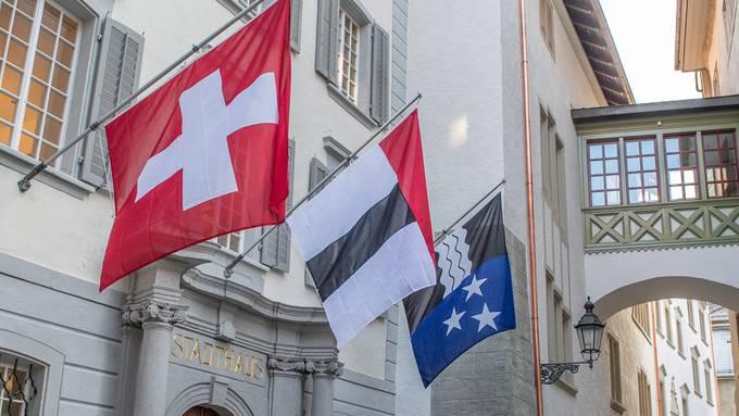 Blick auf das Stadthaus Baden: Der Steuerfuss bleibt 2021 bei 92 Prozent. (Archivbild)