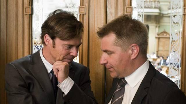 Christoph Mörgeli (links) und Toni Brunner mögen Märchen (Archiv)