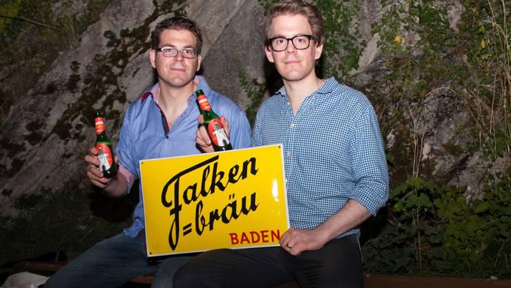 Die Brüder Martin (links) und Flurin Isler bringen das Falkenbräu nach Baden zurück