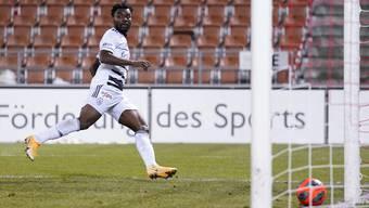 Afimico Pululu erzielt das 1:0 gegen Vaduz,
