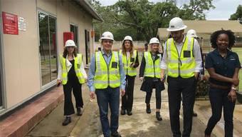 Dieses Foto twitterte Ignazio Cassis: Der Aussenminister auf dem Areal der Glencore-Kupfermine in Sambia.Twitter