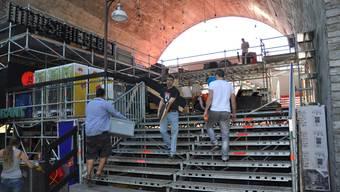 Die Abbauarbeiten beim Stadtfest Baden laufen