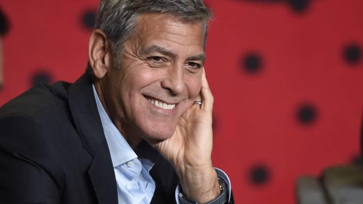George Clooney versteigert seine Harley zugunsten von US-Veteranen.  (Foto: Chris Pizzello/Invision/AP)