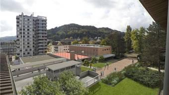 Das Oberstufenzentrum Burghalde – umstritten ist, ob eine neue Zweifach- oder eine Dreifachturnhalle gebaut werden soll.
