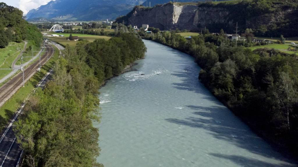 Firma aus Frankreich kann 160 Kilometer Rhoneufer gestalten