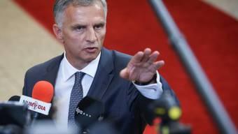 Didier Burkhalter am Montag vor den Medien in Brüssel
