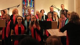 Das Chorprojekt Gospel riss das Publikum in der Kirche Lengnau mit.