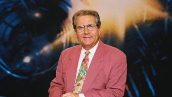 """In der ersten Hälfte der neunziger Jahre war Hansjörg Erny Moderator der """"Tagesschau"""". Der Journalist und Schriftsteller ist am 25. Februar im Alter von 84 Jahren gestorben. (Bild: gerhardhealer.com)"""