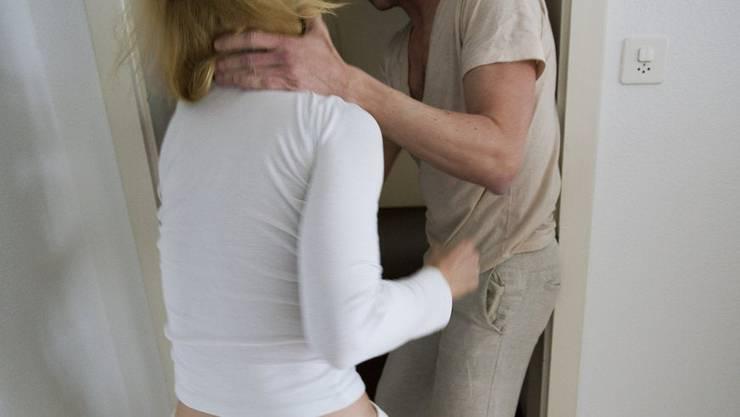 Ein Tracker für Opfer von häuslicher Gewalt könnte kontraproduktiv sein und retraumatisierend wirken, befürchten Experten.