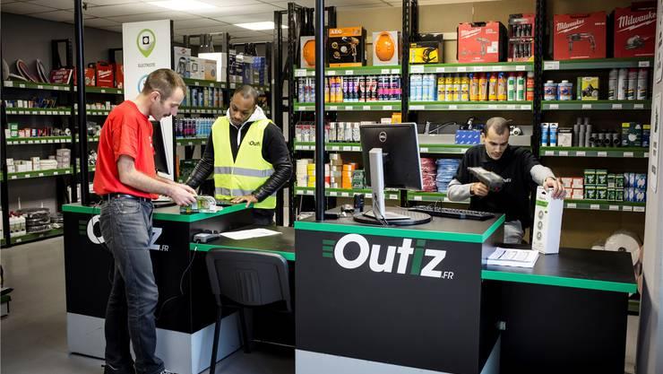 Baumarkt Outiz von Saint-Gobain: Der Online-Shop mit einem mobilen Aussendienst und aktuell vier Abholstellen im Raum Paris wurde 2014 eröffnet.