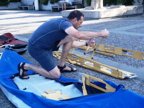 Steuermann als Bootsbauer