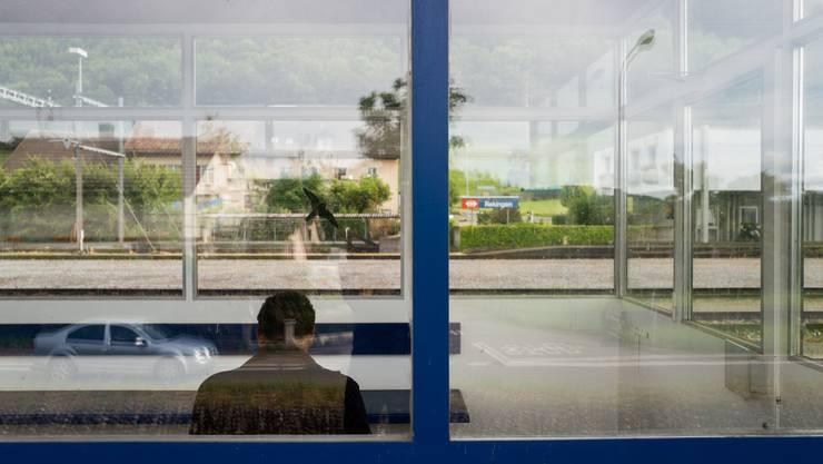 Bahnhof Rekingen: Geht es nach dem Gemeinderat, sollen Flüchtlinge den nächsten Zug nehmen, um sich anderswo niederzulassen.
