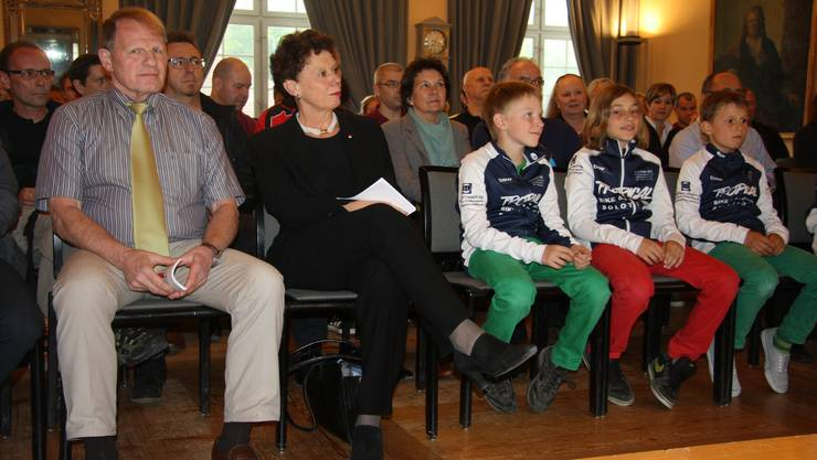 Alexander Rudolf von Rohr an der diesjährigen Sportlerehrung der Stadt Solothurn mit Regierungsrätin Esther Gassler.