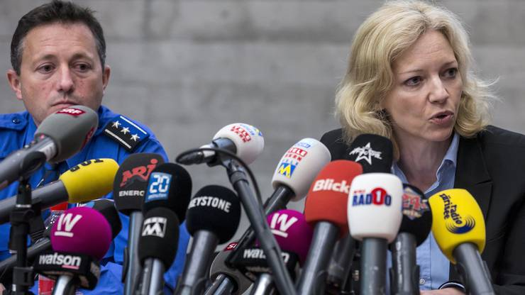 Hauptmann Markus Gisin, Abteilungschef Kriminalpolizei, und Barbara Loppacher, Leitende Staatsanwältin