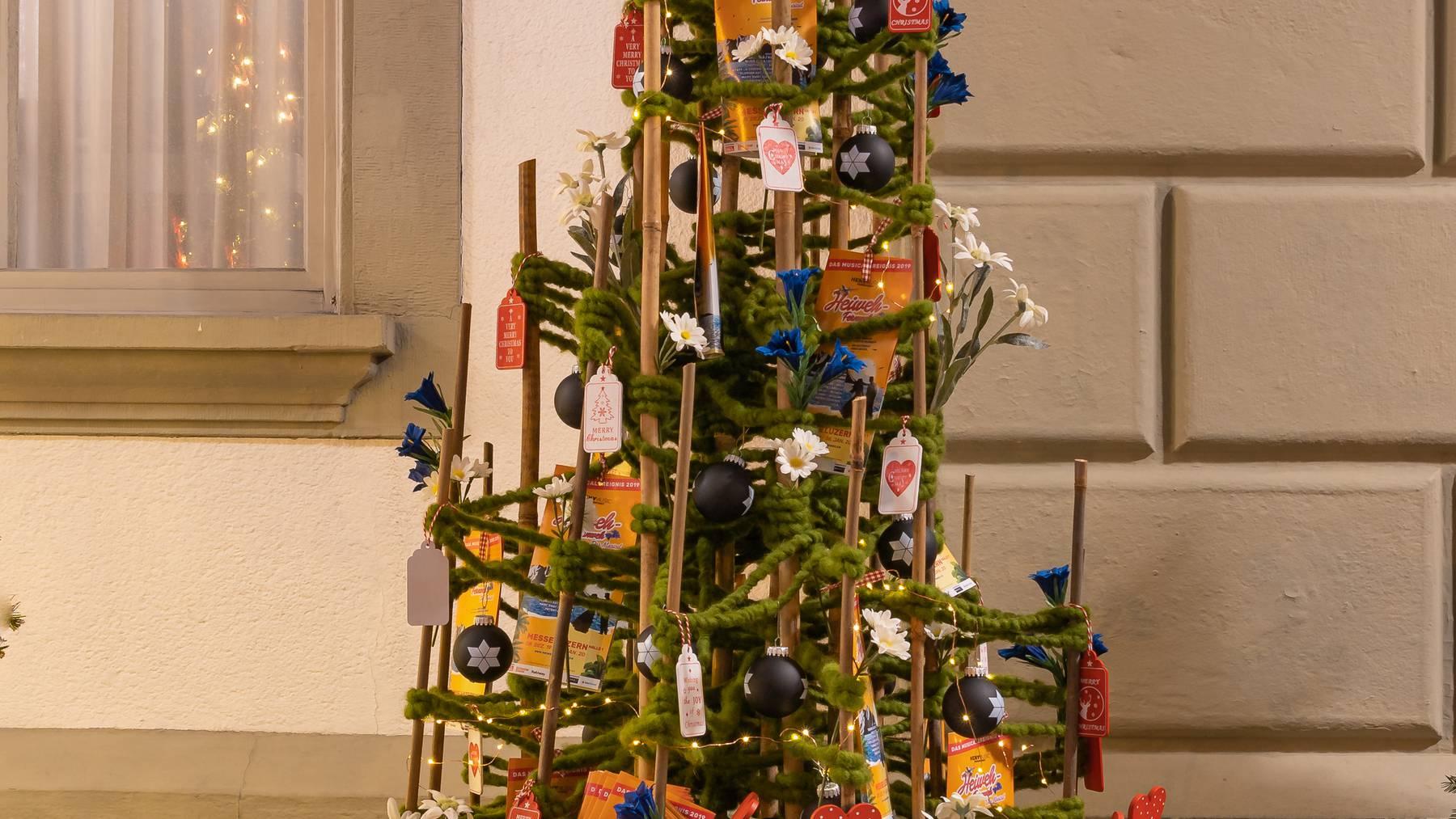 Christbaum-Aktion 2019: Der Heimweh-Fernweh-Musical-Baum