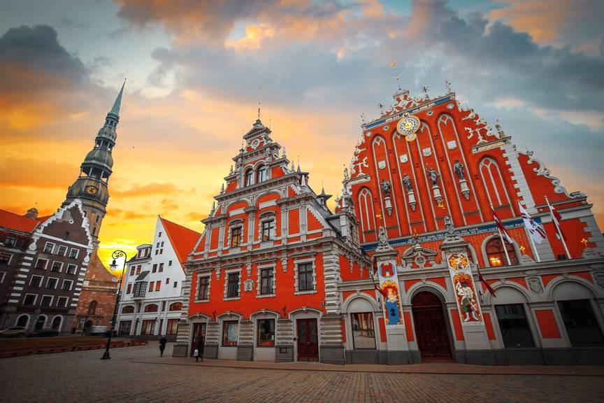 Riga ist für seine Jugendstil-Gebäude bekannt. (Bidl: istock)