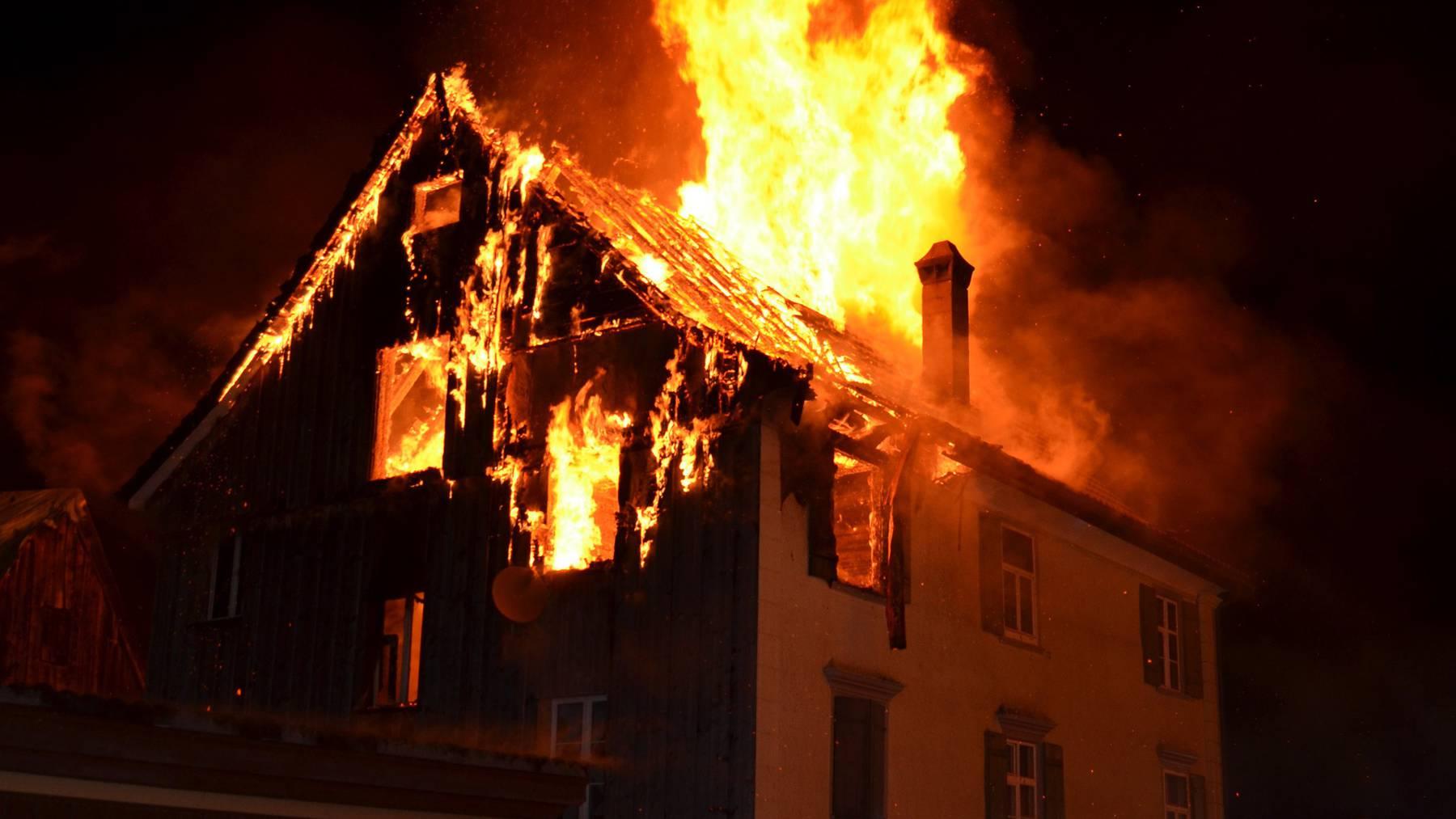 Das Haus in Flammen