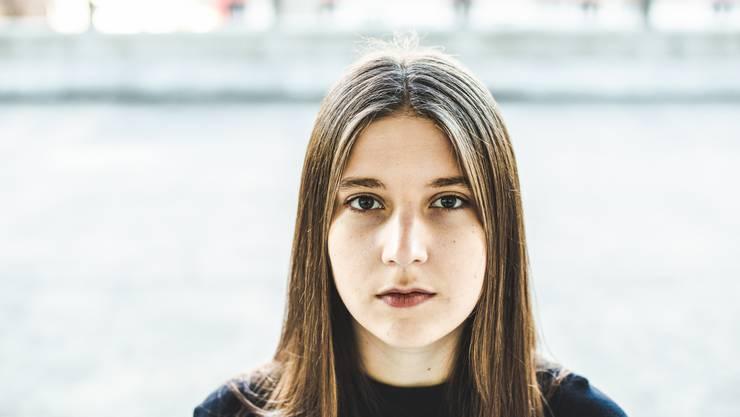 Sie ist Leadsängerin der Brugger Band Ellas