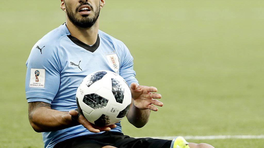 Luis Suarez krönte sein 100. Länderspiel mit einem Tor und qualifizierte sich mit Uruguay für die Achtelfinals