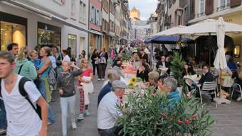 Usestuehlete in Rheinfelden – Der längste Tisch