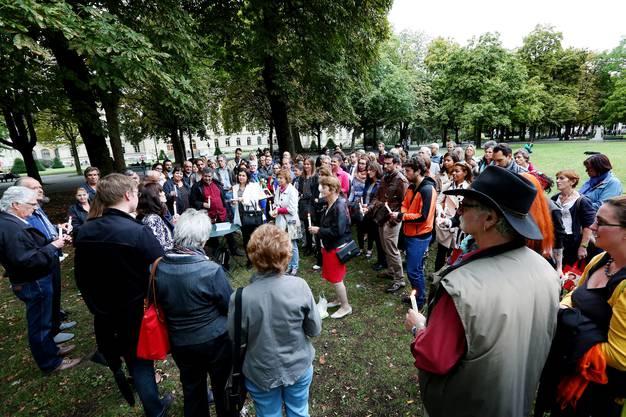 Rund 70 Menschen versammelten sich im Gedenken an Adeline M.