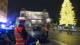 Ein einsamer alter Mann hat an Weihnachten die Carabinieri kommen lassen, weil er einsam war und Gesprächspartner suchte. Die Carabinieri taten ihm den Gefallen - zur Freude des 94-Jährigen. (Symbolbild)