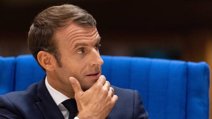 Präsident Macron muss eine Niederlage einstecken. Seine Wunschkandidatin für den französischen Sitz in der EU-Kommission wurde vom EU-Parlament abgelehnt.
