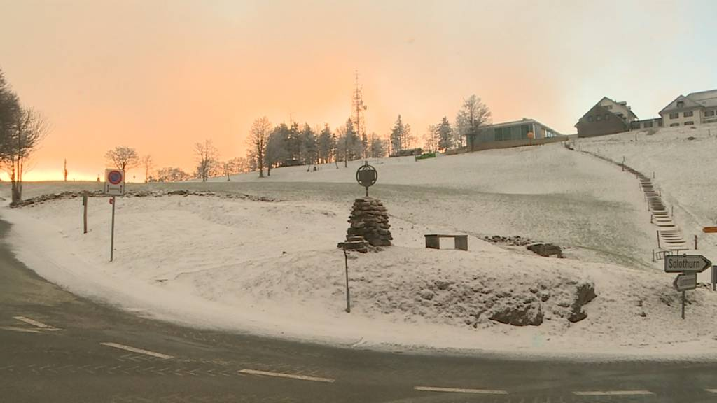 Schneebedeckte Felder auf dem Weissenstein