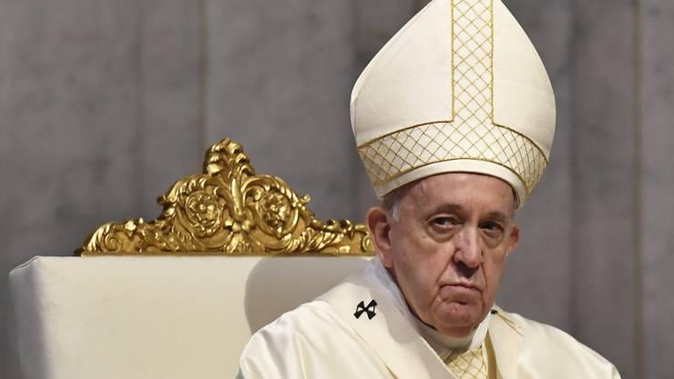 ARCHIV - Papst Franziskus: «Man kann sich nicht vorstellen, in welcher Hölle sie dort leben, in diesen Internierungslagern.» Foto: Tiziana Fabi/AFP Pool/dpa