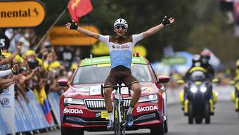 Nans Peters jubelt nach der ersten Pyrenäen-Etappe