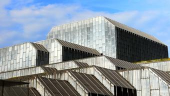 Das Theater will mit den Mitteln die Eigenkapitalbasis verstärken und künftige Investitionen in die technische Infrastruktur finanzieren. (Archivbild)