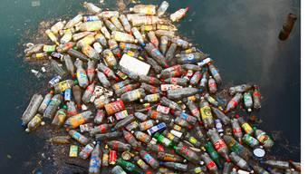Plastik in den Meeren wird zu einem grossen Problem.