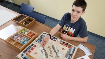 Der 15-jährige Loris Wechsler hat als Projektarbeit das «Önsopoly» erfunden und realisiert.