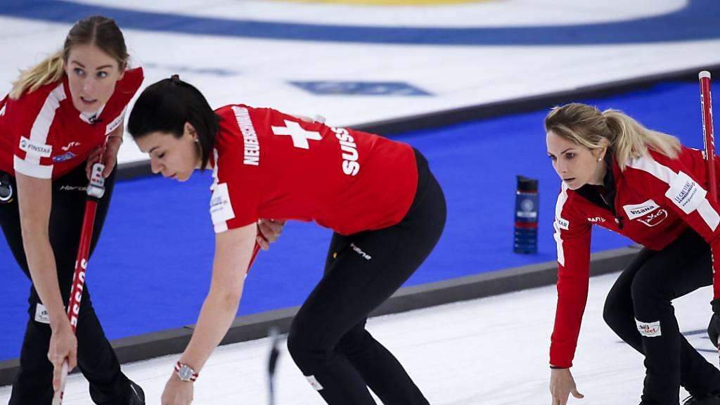 Schweizer Curlerinnen gewinnen Round Robin