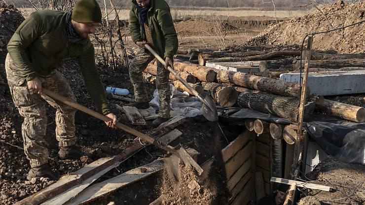 In der Ostukraine ist eine neue Waffenruhe in Kraft getreten. (Symbolbild)