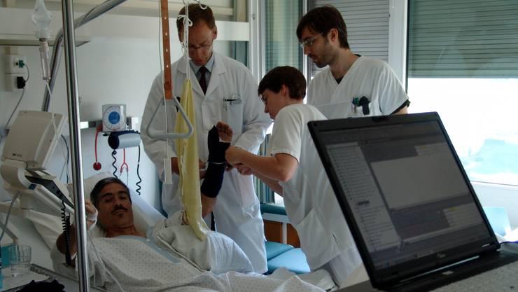 Halprivat und privat Versicherte schätzen das Spital Limmattal. (Archiv)