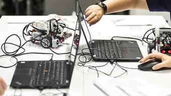 Ab dem Schuljahr 2023/24 führen die Zürcher Gymnasien das Fach Informatik ein. (Themenbild)