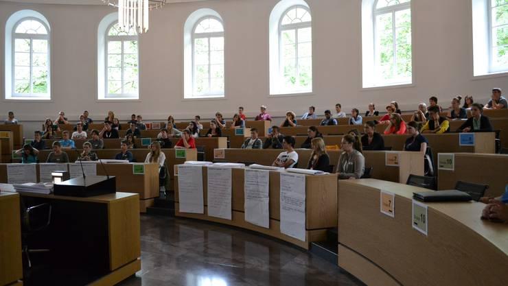 124 Lernende erhielten Einblick in den Parlamentsbetrieb