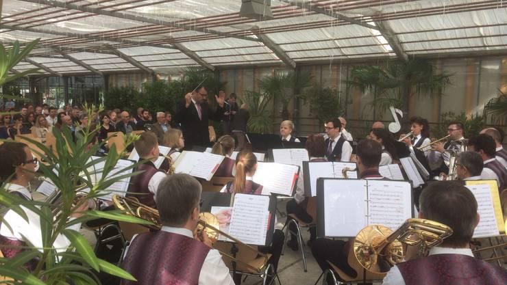MG Härkingen während dem Konzert im Gewächshaus der Alten Gärtnerei.