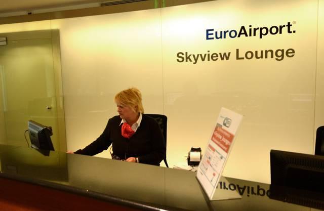 Die Skyview Lounge steht allen Reisenden offen - der Eintritt kostet allerdings.