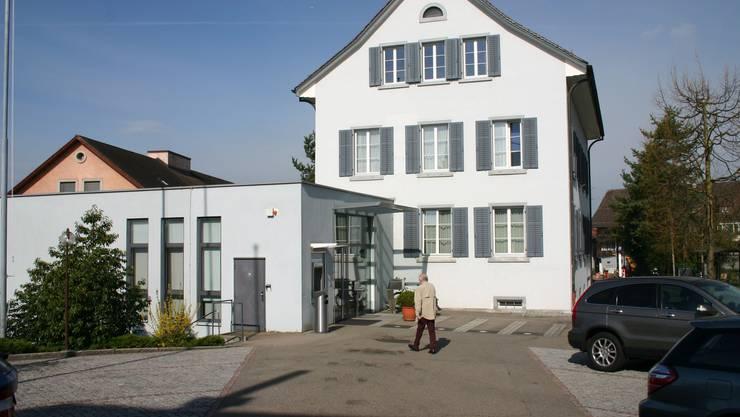 Die Uitiker Gemeindeverwaltung: In die Politische Gemeinde soll auf Januar 2022 die Schulgemeinde integriert werden.