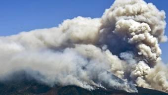 Die Waldbrände an den Flanken des Vesuv liessen Anwohner an einen Vulkanausbruch denken.