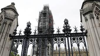 Die von Premierminister Boris Johnson angeordnete Zwangspause für das britische Parlament verstösst nach Ansicht eines schottischen Berufungsgerichts gegen das Gesetz. Das Bild zeigt das Parlamentsgebäude in London.
