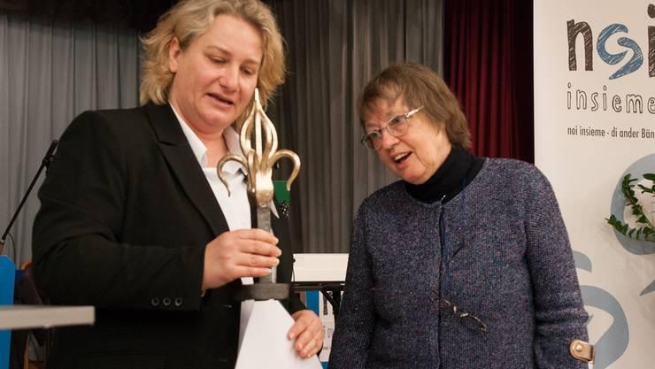 Stadträtin Beatrice Krebs verlieh Erica Brühlmann-Jecklin den Kulturpreis der Stadt Schlieren. Die Laudatio ...